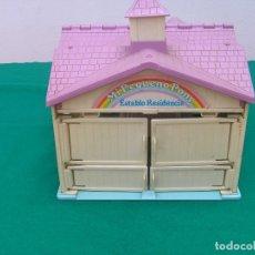 Casas de Muñecas - Establo Residencia de Mi Pequeño Pony. Marca Hasbro año 1983. Con parte del mobiliario. - 122584459