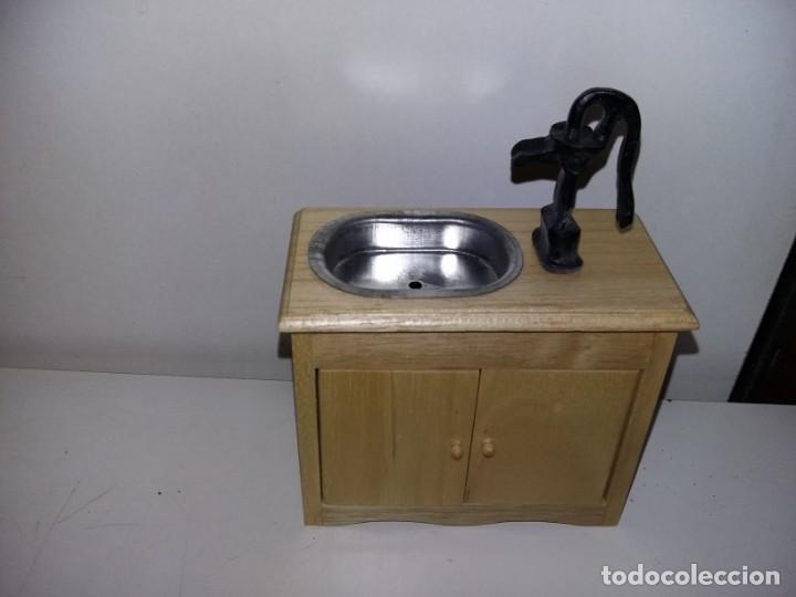Casas de Muñecas: mueble cocina fregadero con bomba de coleccion antigua casa de muñecas estilo andaluza altaya - Foto 2 - 133415550