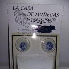 Casas de Muñecas: MUEBLE CHIMENEA COCINA CON PLATOS PINTAD DE COLECCIÓN ANTIGUA CASA DE MUÑECAS ESTILO ANDALUZA ALTAYA. Lote 133416642