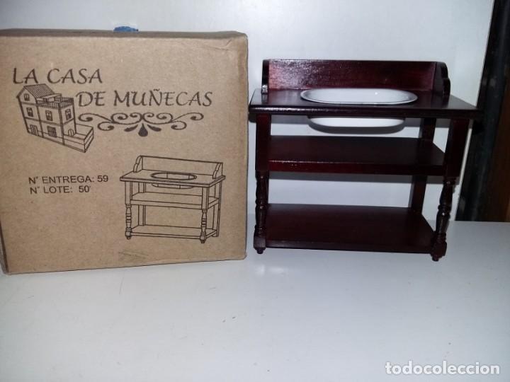 MUEBLE DE BAÑO LAVABO EN MADERA CEREZO DE COLECCION ANTIGUA CASA DE MUÑECAS ESTILO ANDALUZA ALTAYA (Juguetes - Casas de Muñecas, mobiliarios y complementos)