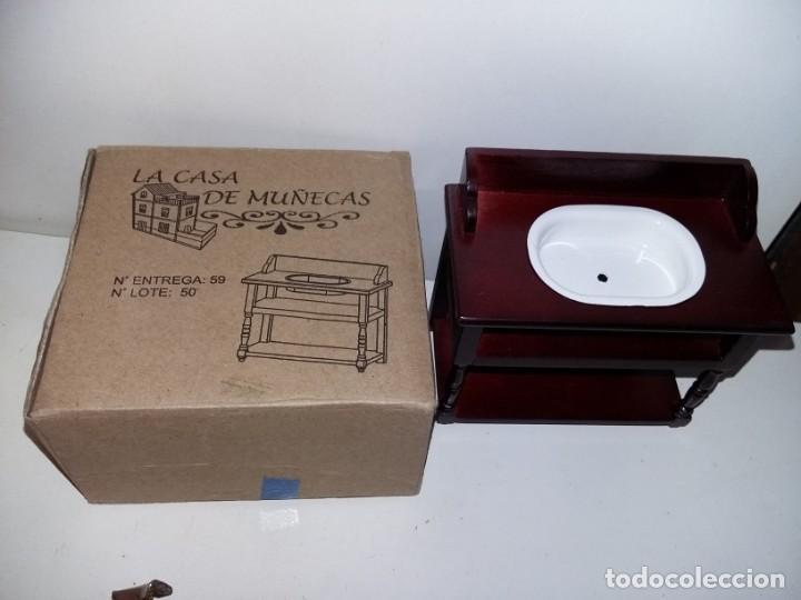 Casas de Muñecas: mueble de baño lavabo en madera cerezo de coleccion antigua casa de muñecas estilo andaluza altaya - Foto 2 - 133417590