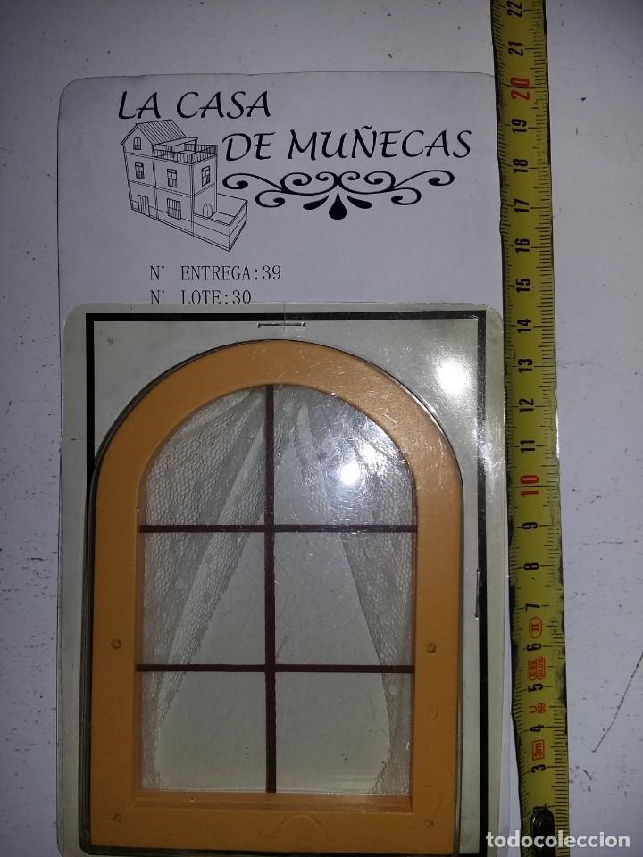 VENTANA DE ARCO CON CORTINAS Y REJA DE COLECCION ANTIGUA CASA DE MUÑECAS ESTILO ANDALUZA ALTAYA (Juguetes - Casas de Muñecas, mobiliarios y complementos)
