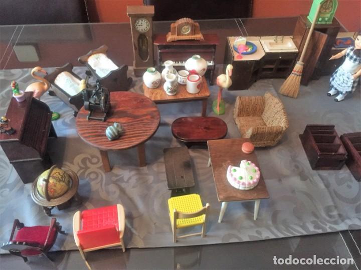 GRAN LOTE DE MUEBLES Y ACCESORIOS (Juguetes - Casas de Muñecas, mobiliarios y complementos)