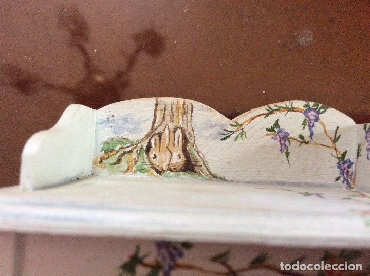 Casas de Muñecas: Mesita con silla escala 1:12 con dibujos a mano de Beatrix potter. - Foto 2 - 136276662