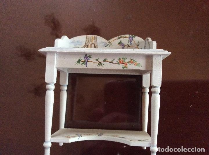 Casas de Muñecas: Mesita con silla escala 1:12 con dibujos a mano de Beatrix potter. - Foto 3 - 136276662