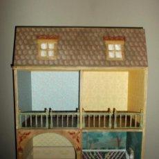 Casas de Muñecas: CASA DE MUÑECAS DE MADERA ESTILO S. XVII, 65 CM, HECHA A MANO POR ARTISTA. Lote 138747990