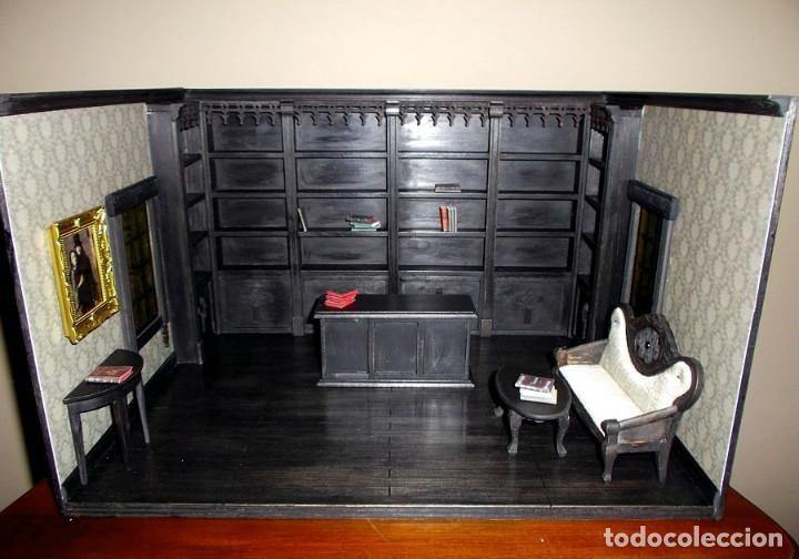 Casas de Muñecas: Tienda de estilo goth, dark, toda en madera, hecha a mano por artista, escala 1:12 - Foto 2 - 138754266