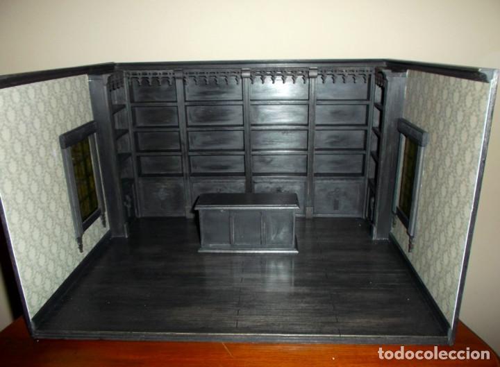 Casas de Muñecas: Tienda de estilo goth, dark, toda en madera, hecha a mano por artista, escala 1:12 - Foto 3 - 138754266