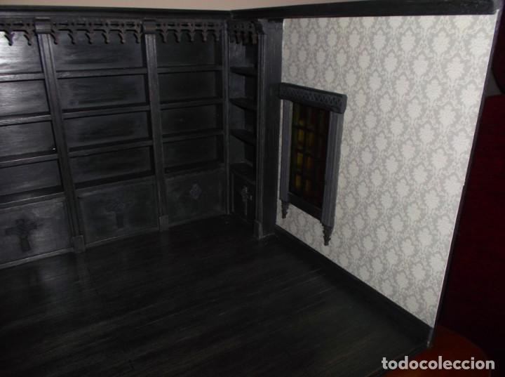 Casas de Muñecas: Tienda de estilo goth, dark, toda en madera, hecha a mano por artista, escala 1:12 - Foto 6 - 138754266