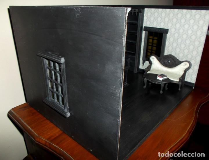 Casas de Muñecas: Tienda de estilo goth, dark, toda en madera, hecha a mano por artista, escala 1:12 - Foto 8 - 138754266