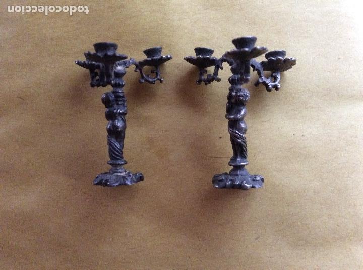 Casas de Muñecas: Candelabros antiguos escala 1:12 metálicos con filigranas.4cm. - Foto 3 - 138787534