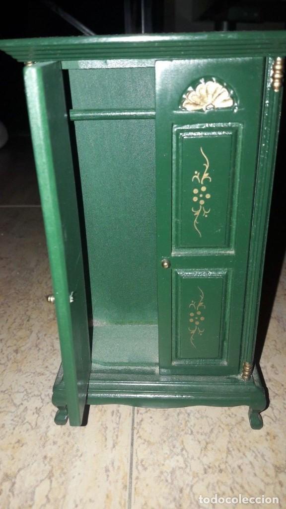 Casas de Muñecas: armario miniatura escala 1/6 - Foto 2 - 140538170