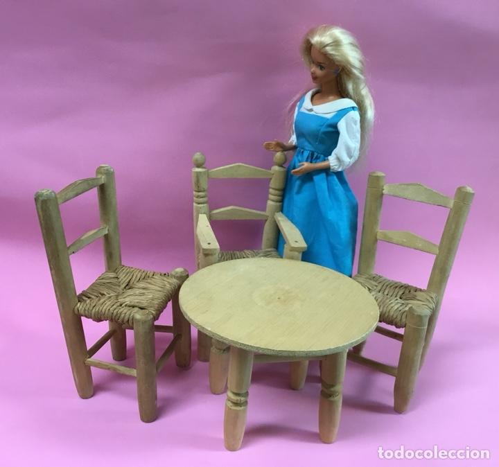Casas de Muñecas: Conjunto de sillas y mesa para muñecas - Foto 2 - 144728564