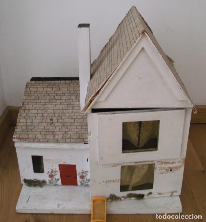 Casas de Muñecas: casa de muñecas de madera (chapado) con algunos muebles de plastico (años 60 aprox) - Foto 4 - 145289634