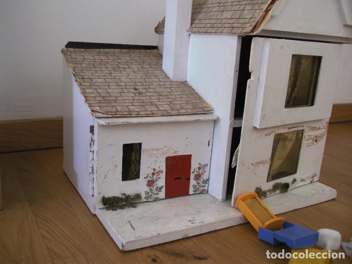 Casas de Muñecas: casa de muñecas de madera (chapado) con algunos muebles de plastico (años 60 aprox) - Foto 7 - 145289634