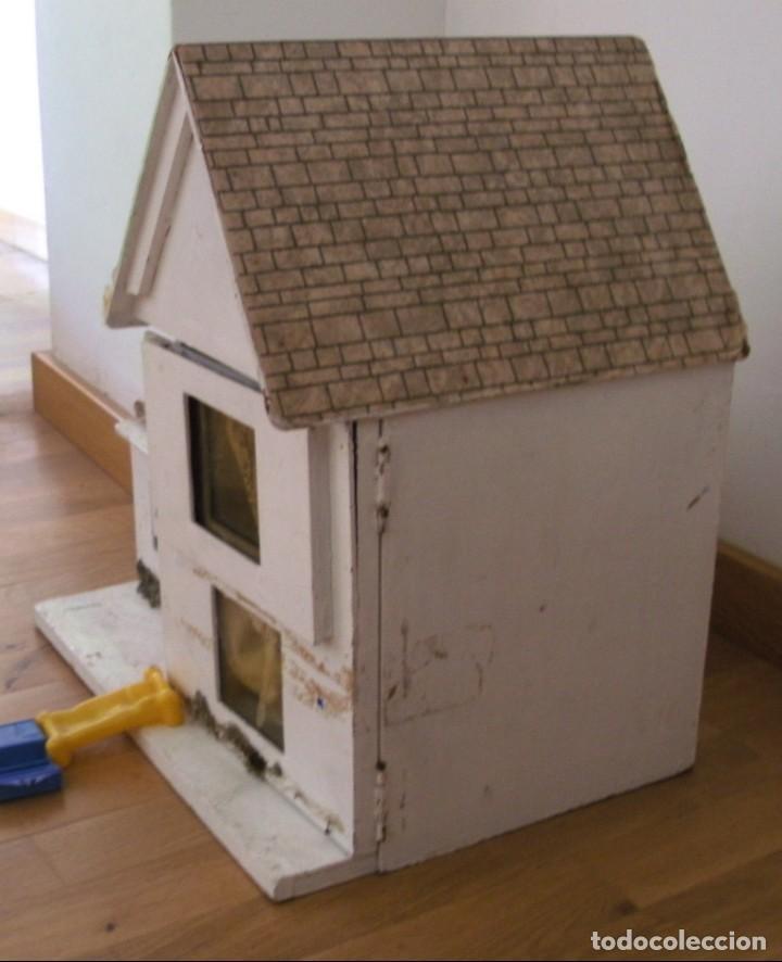 Casas de Muñecas: casa de muñecas de madera (chapado) con algunos muebles de plastico (años 60 aprox) - Foto 12 - 145289634