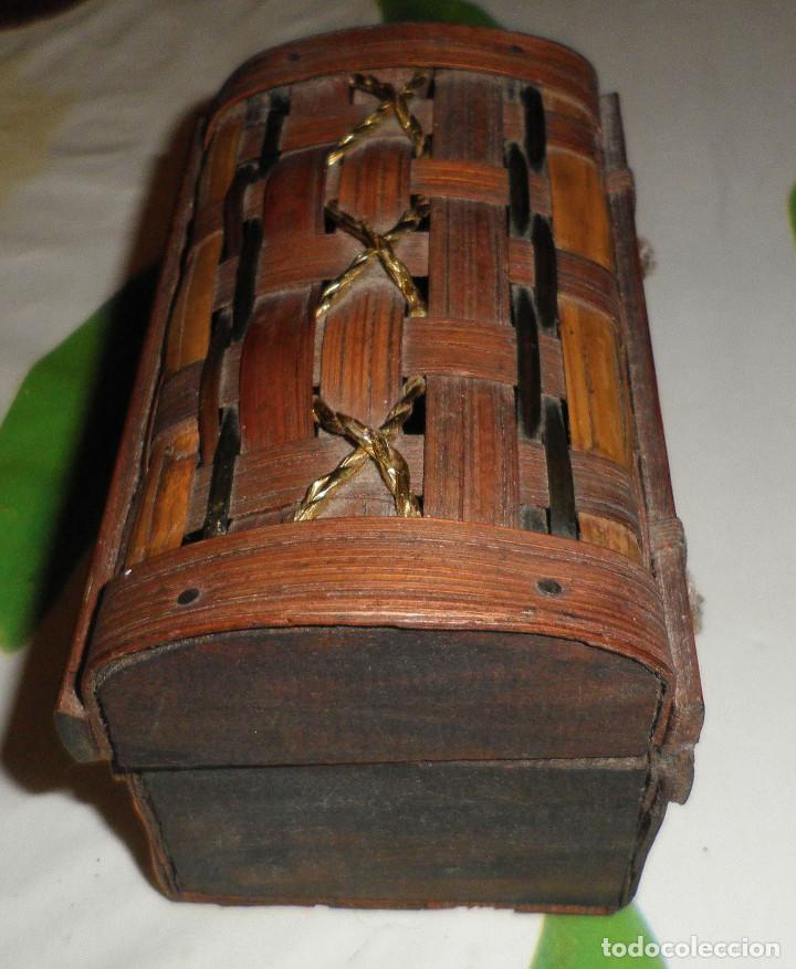 Casas de Muñecas: baul de madera y caña 13 cms de largo y 7 cms de altura - Foto 2 - 147762882