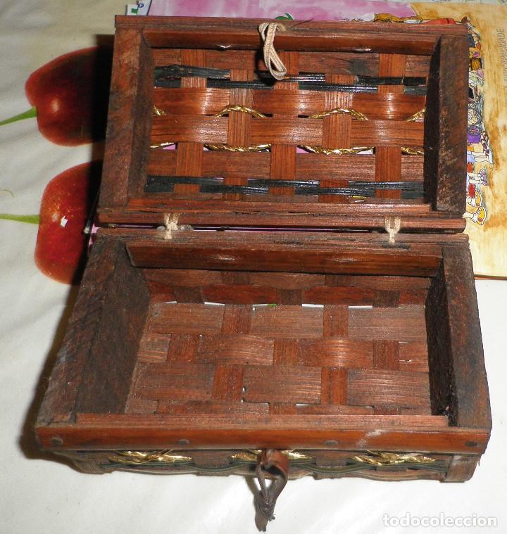 Casas de Muñecas: baul de madera y caña 13 cms de largo y 7 cms de altura - Foto 4 - 147762882