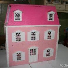 Casas de Muñecas: CASA DE MUÑECA HELLO KITTY CON MUCHOS MUEBLES . Lote 148294266