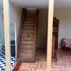 Casas de Muñecas: MUEBLE ESCALERAS DE CASA DE MUÑECAS. Lote 153240686