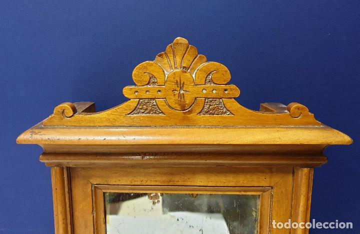 Casas de Muñecas: Armario de juguete con luna antigua y cajón inferior. Interior con 2 baldas. Hacia 1940. - Foto 4 - 157280678