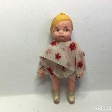 Case di Bambole: ANTIGUA FIGURA DE CASA DE MUÑECAS DE GOMA Y ALAMBRE. Lote 164297330