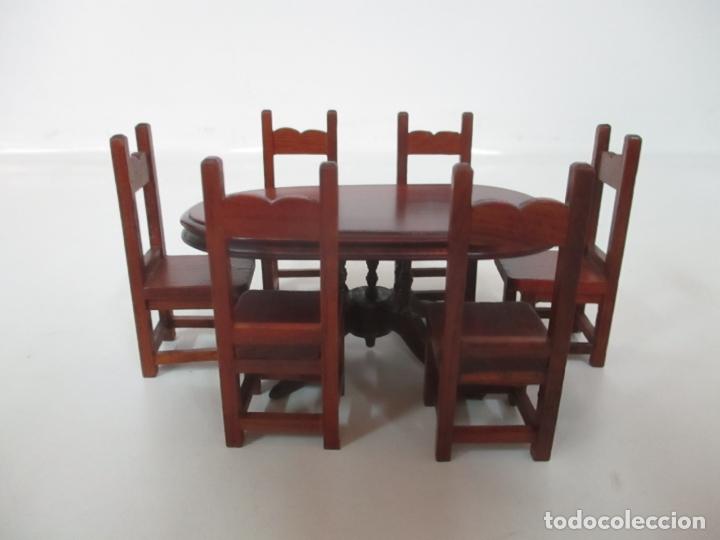 MESA DE COMEDOR Y 6 SILLAS MINIATURA - MADERA - CASA DE MUÑECAS - TODO TIPO DE DETALLES (Juguetes - Casas de Muñecas, mobiliarios y complementos)