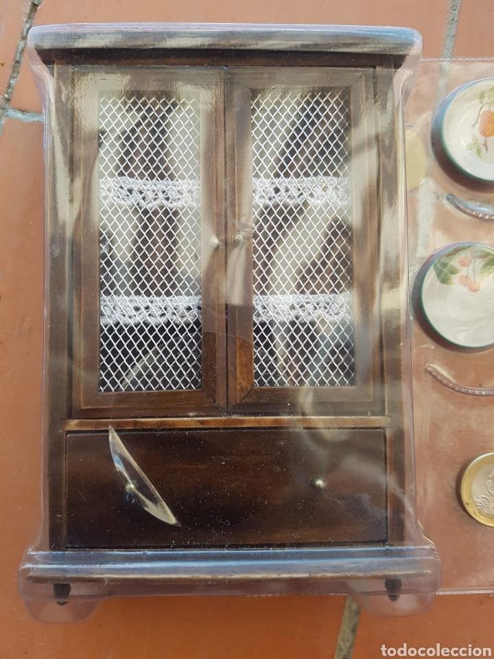 Casas de Muñecas: Lote mueble alacena con decoración 2 platos cerámica equis de casa de muñecas Lote mueble alacena - Foto 3 - 168957777
