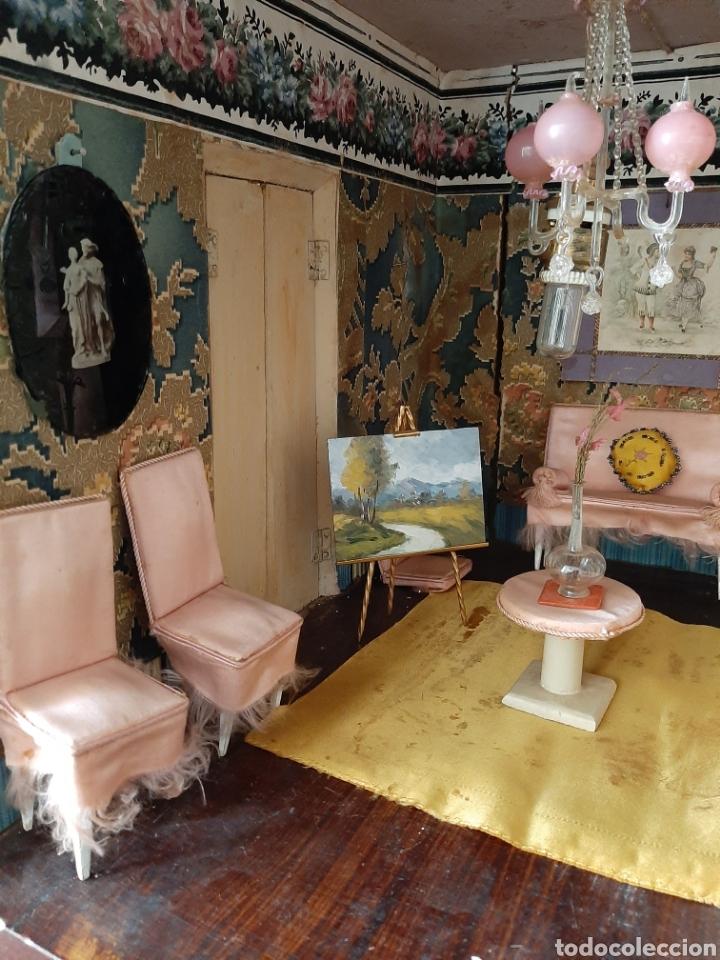 Casas de Muñecas: Importante casa de muñecas en madera policromada, 8 estancias. Adaptada a la luz eléctrica. S. XIX. - Foto 18 - 169337600
