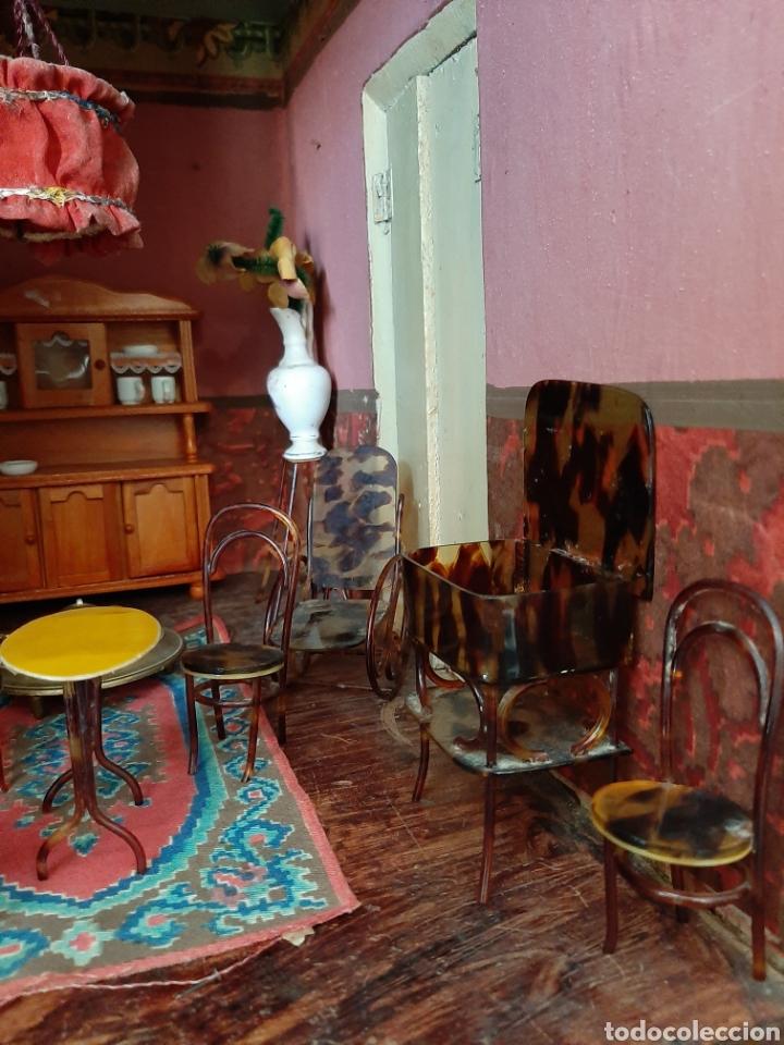 Casas de Muñecas: Importante casa de muñecas en madera policromada, 8 estancias. Adaptada a la luz eléctrica. S. XIX. - Foto 22 - 169337600