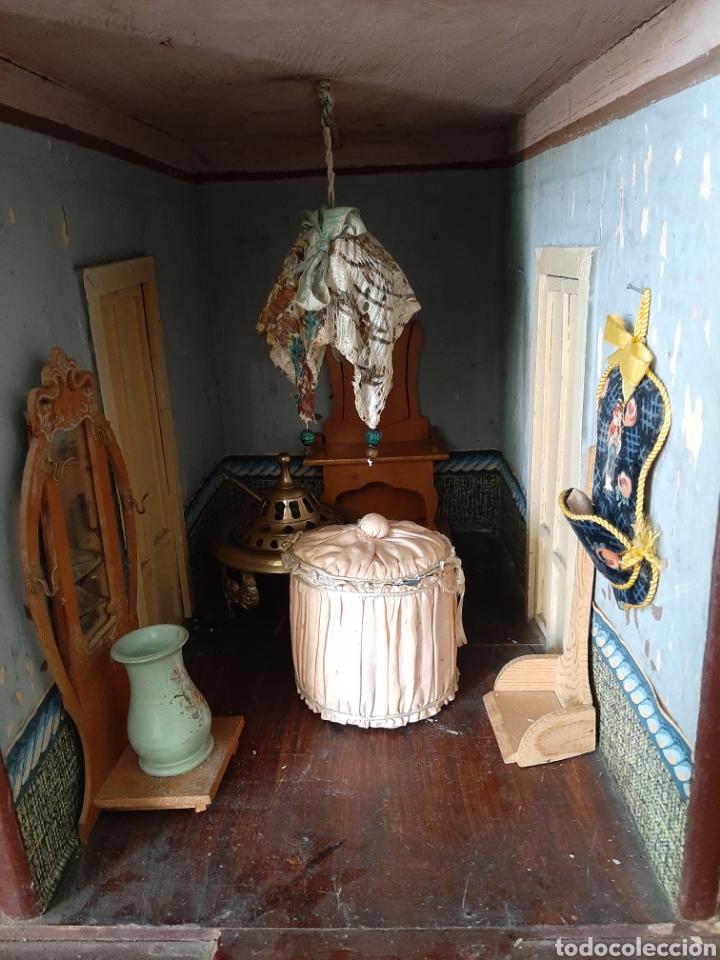 Casas de Muñecas: Importante casa de muñecas en madera policromada, 8 estancias. Adaptada a la luz eléctrica. S. XIX. - Foto 25 - 169337600