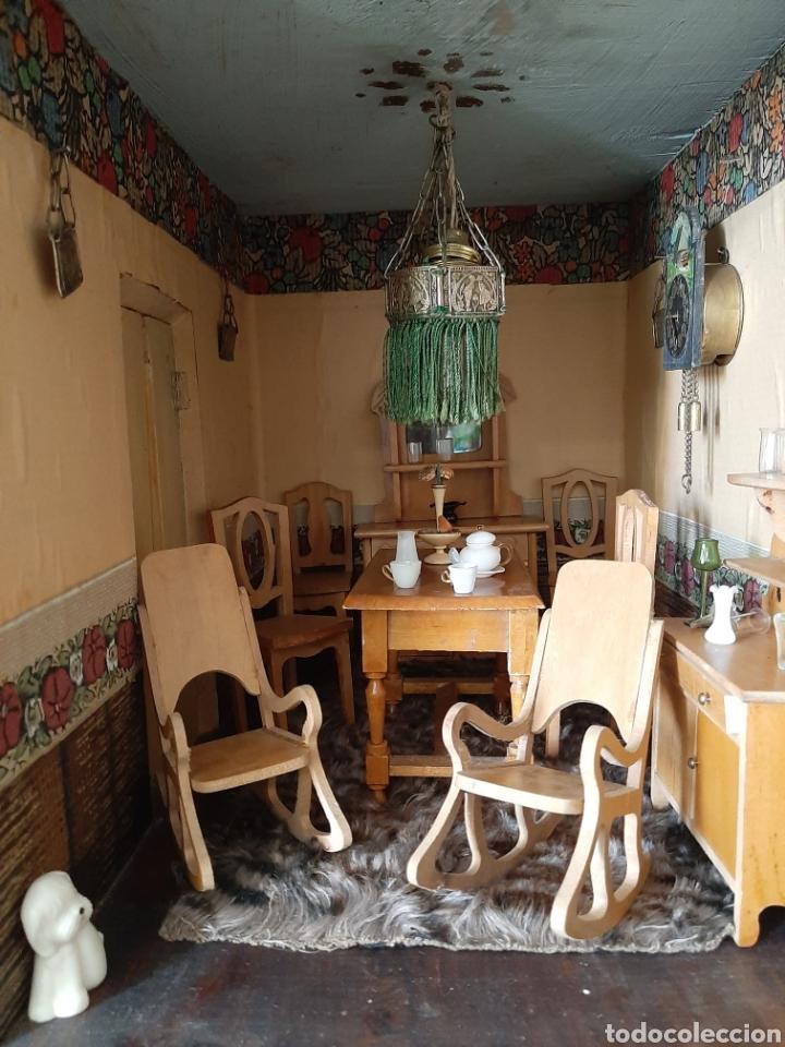 Casas de Muñecas: Importante casa de muñecas en madera policromada, 8 estancias. Adaptada a la luz eléctrica. S. XIX. - Foto 31 - 169337600