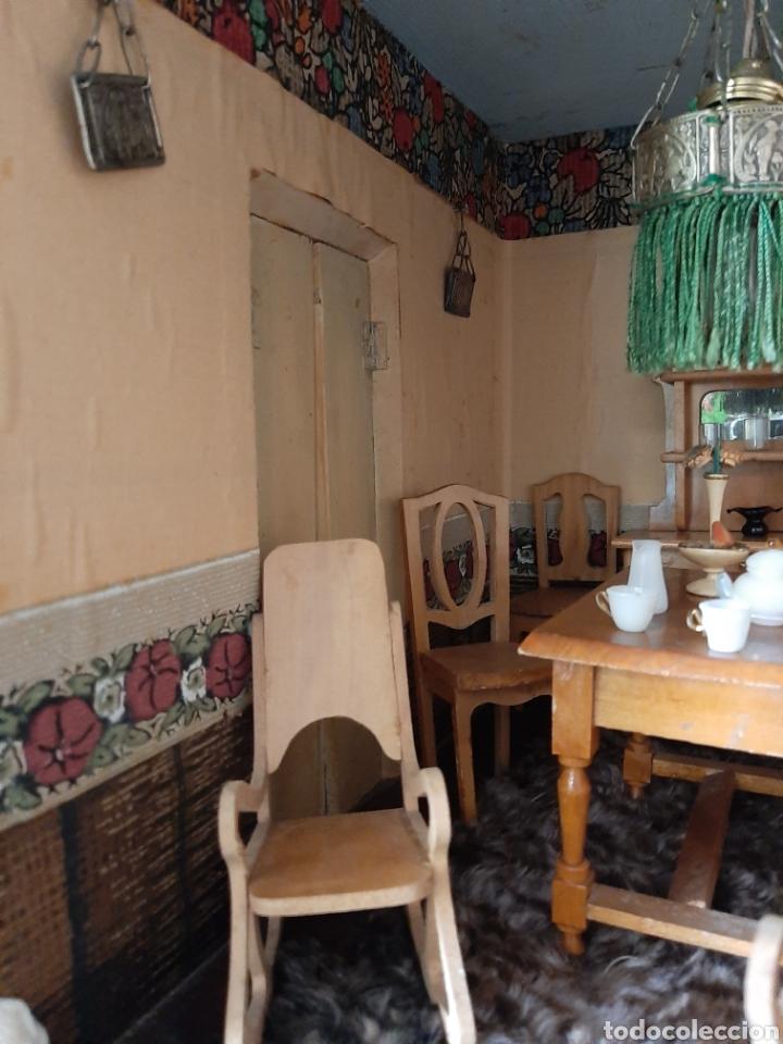 Casas de Muñecas: Importante casa de muñecas en madera policromada, 8 estancias. Adaptada a la luz eléctrica. S. XIX. - Foto 32 - 169337600