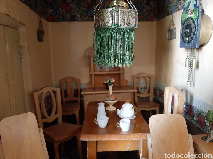 Casas de Muñecas: Importante casa de muñecas en madera policromada, 8 estancias. Adaptada a la luz eléctrica. S. XIX. - Foto 33 - 169337600
