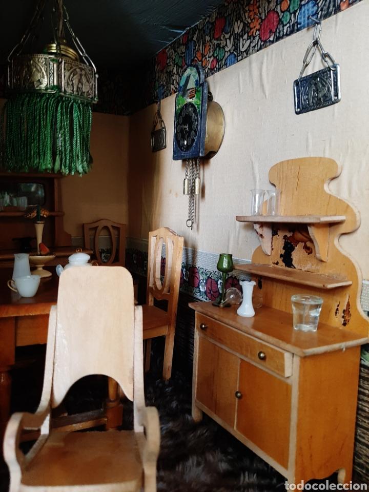 Casas de Muñecas: Importante casa de muñecas en madera policromada, 8 estancias. Adaptada a la luz eléctrica. S. XIX. - Foto 34 - 169337600