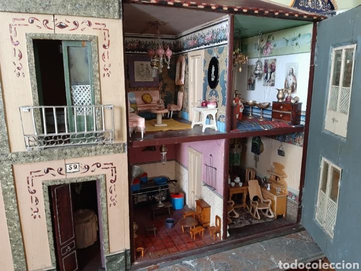 Casas de Muñecas: Importante casa de muñecas en madera policromada, 8 estancias. Adaptada a la luz eléctrica. S. XIX. - Foto 35 - 169337600