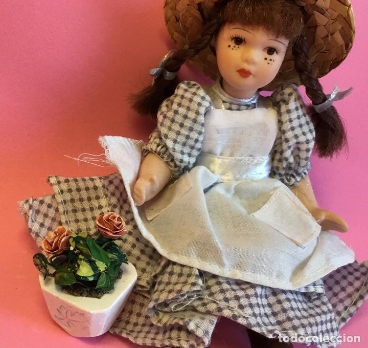 Casas de Muñecas: Maceta con rosas artesanal para casa de muñecas - Foto 5 - 172961705