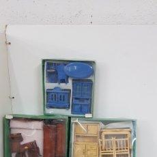 Casas de Muñecas: LOTE DE 4 SETS DE MOBILIARIO CASAS MUÑECAS PARA DIFERENTES ESTANCIAS. Lote 177140880