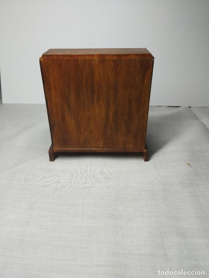 Casas de Muñecas: Antiguo y precioso mueble de madera para Casitas de muñecas, con tiradores metálicos. - Foto 4 - 178234501