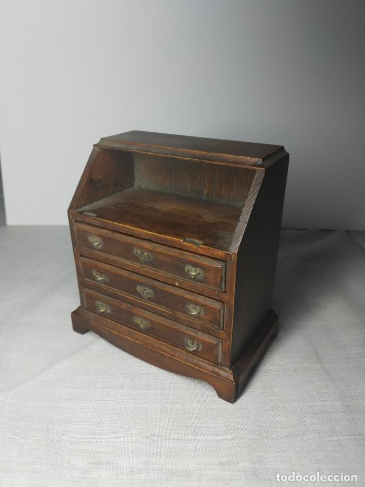 Casas de Muñecas: Antiguo y precioso mueble de madera para Casitas de muñecas, con tiradores metálicos. - Foto 11 - 178234501