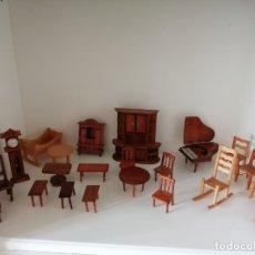 Casas de Muñecas: 22 MUEBLES ARTESANALES EN MADERA AÑOS 70. Lote 182860998