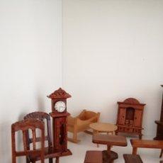 Casas de Muñecas: 22 MUEBLES ARTESANALES EN MADERA AÑOS 70. Lote 183758572