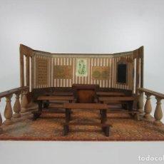 Casas de Muñecas: ANTIGUA ESCUELA, PLEGABLE - MADERA - PAPEL LITOGRAFIADO - CON PUPITRES, PIZARRA, ETC - AÑOS 1910-20. Lote 188620640