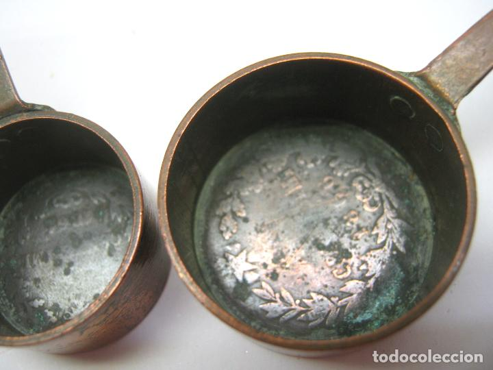 Casas de Muñecas: 2 cazos - Bellas miniaturas hechas con monedas s.XIX - Foto 5 - 193854263
