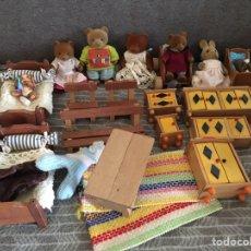 Casas de Muñecas: GRANDE LOTE D SYLVANIAN FAMILIES VINTAGE. Lote 194286233