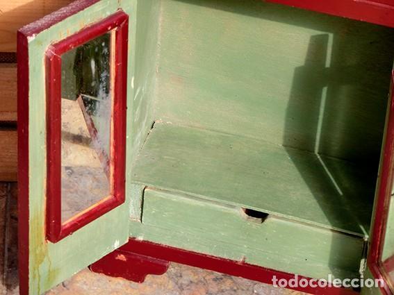Casas de Muñecas: ANTIGUO Y PRECIOSO ARMARIO DE MUÑECAS - ESTILO ART DECÓ - 3 CUERPOS - ESPEJOS - CAJÓN - ZAPATERO - Foto 17 - 194355092