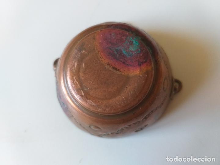 Casas de Muñecas: Antigua olla o puchero de cobre de los años 50, pequeña, miniatura - Foto 6 - 195015450