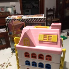 Casas de Muñecas: CASITA DE FAMILY FEBER AÑOS 80. Lote 195429936