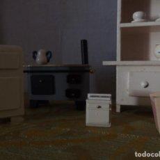 Casas de Muñecas: MUEBLES DE COCINA CASA MUÑECAS. Lote 198937092