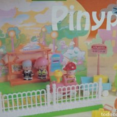 Casas de Muñecas: TREN PINYPON PIN PON FAMOSA SIN USAR. Lote 206279002